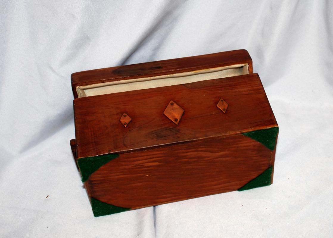 Handcrafted  Cedar Wood  Keepsake Trinket Box  Hanky's Chest Lined