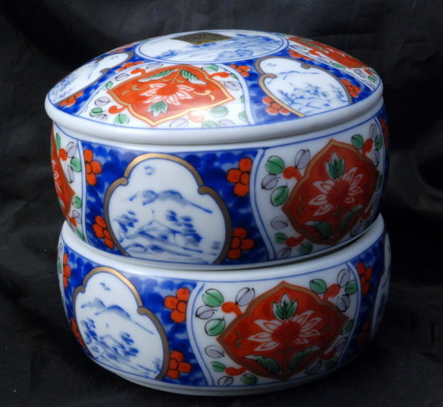 Imari Porcelain Double Chamber  Stacking Round Trinket Box with Lid , hand painted