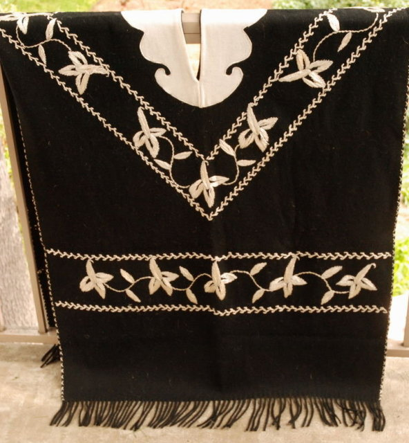 Spanish Embroidered  Alpaca   Wool Felt Poncho Serape Warm and Stylish