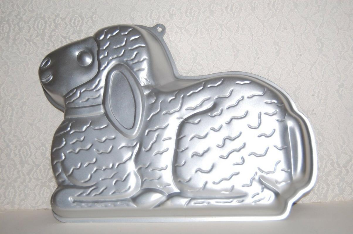 Vntg 1987 Wilton Easter Lovable Lamb Cake Pan 2105-2514