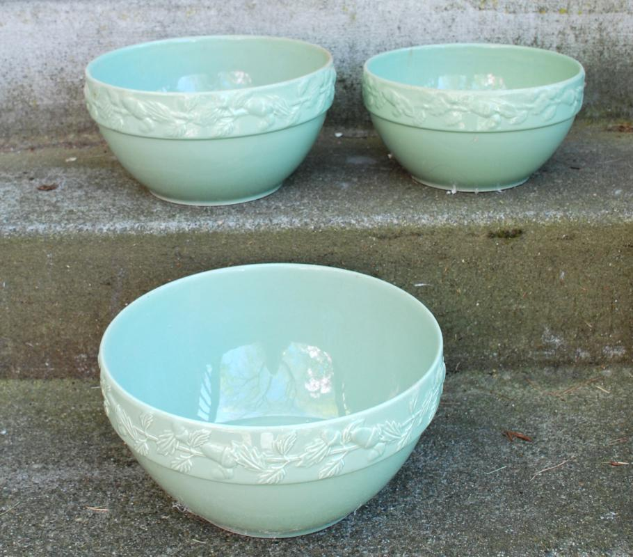 Mint Green Nesting Mixing or Batter Bowl Set with Acorn Rim.  Over & Back of Portugal