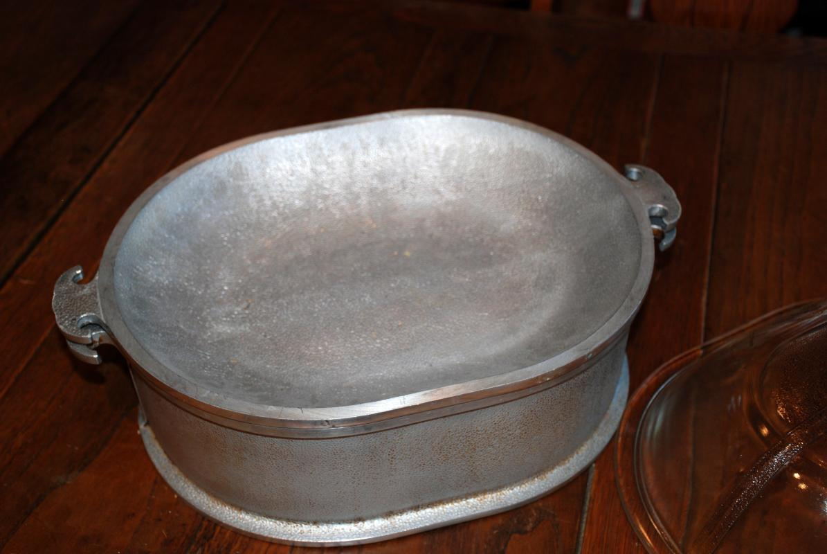3 pc Guardian Service Ware Aluminum Oval Roaster with glass Lid, Tray Insert & Bakelite Handle Covers