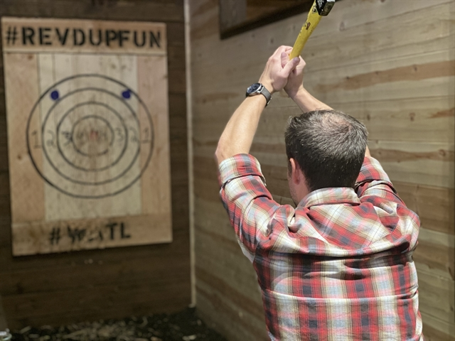 Axe Throwing 1.5 Hours