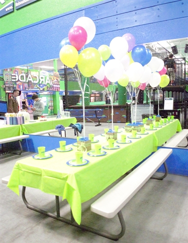 Rebounderz Table Party