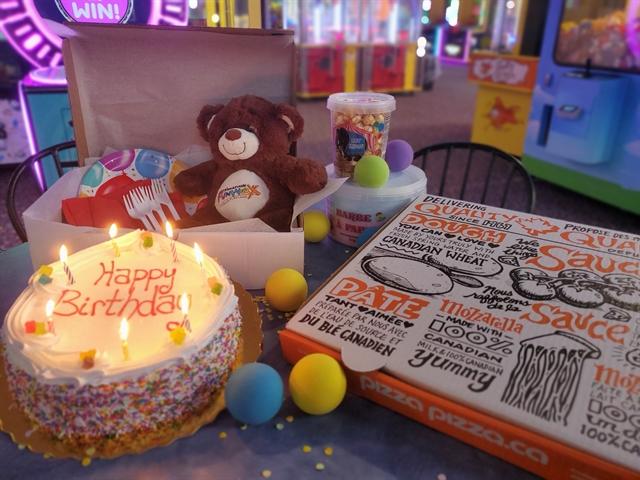 Birthday in a Box - Minion