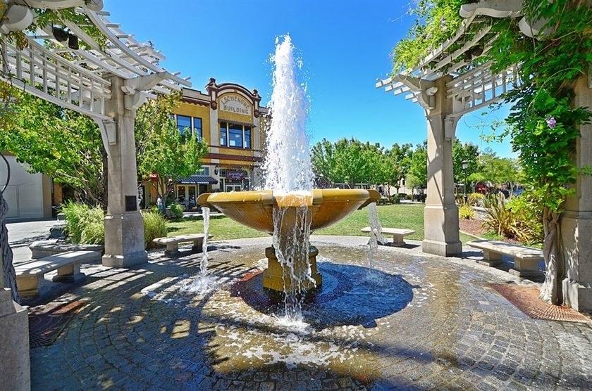 livermore-fountain.jpg#asset:8126