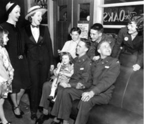 Caption: Dance at the Oaks Sup- per Club for servicemen, 1943-4