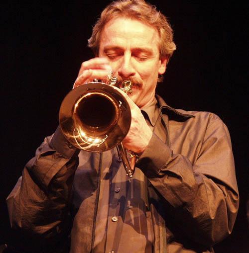 Trumpetplayerallenvizzutti2_small