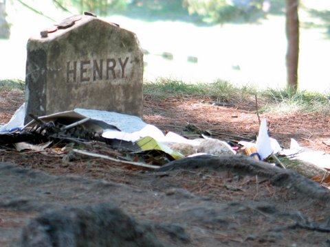 Caption: Thoreau's grave in Sleepy Hollow Cemetery , Credit: Doug Storm