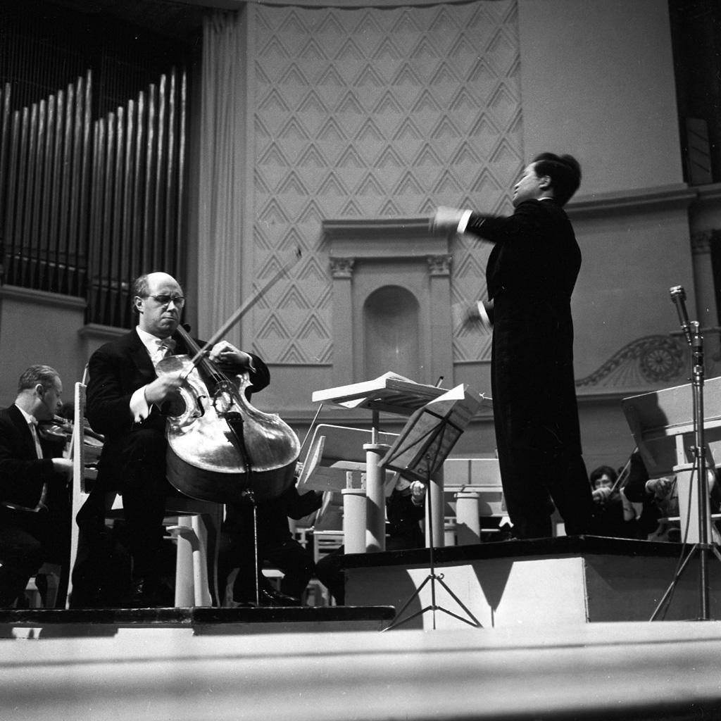 Caption: Cellist Mstislav Rostropovich and conductor Toyama Yuzo, Credit: RIA Novosti archive