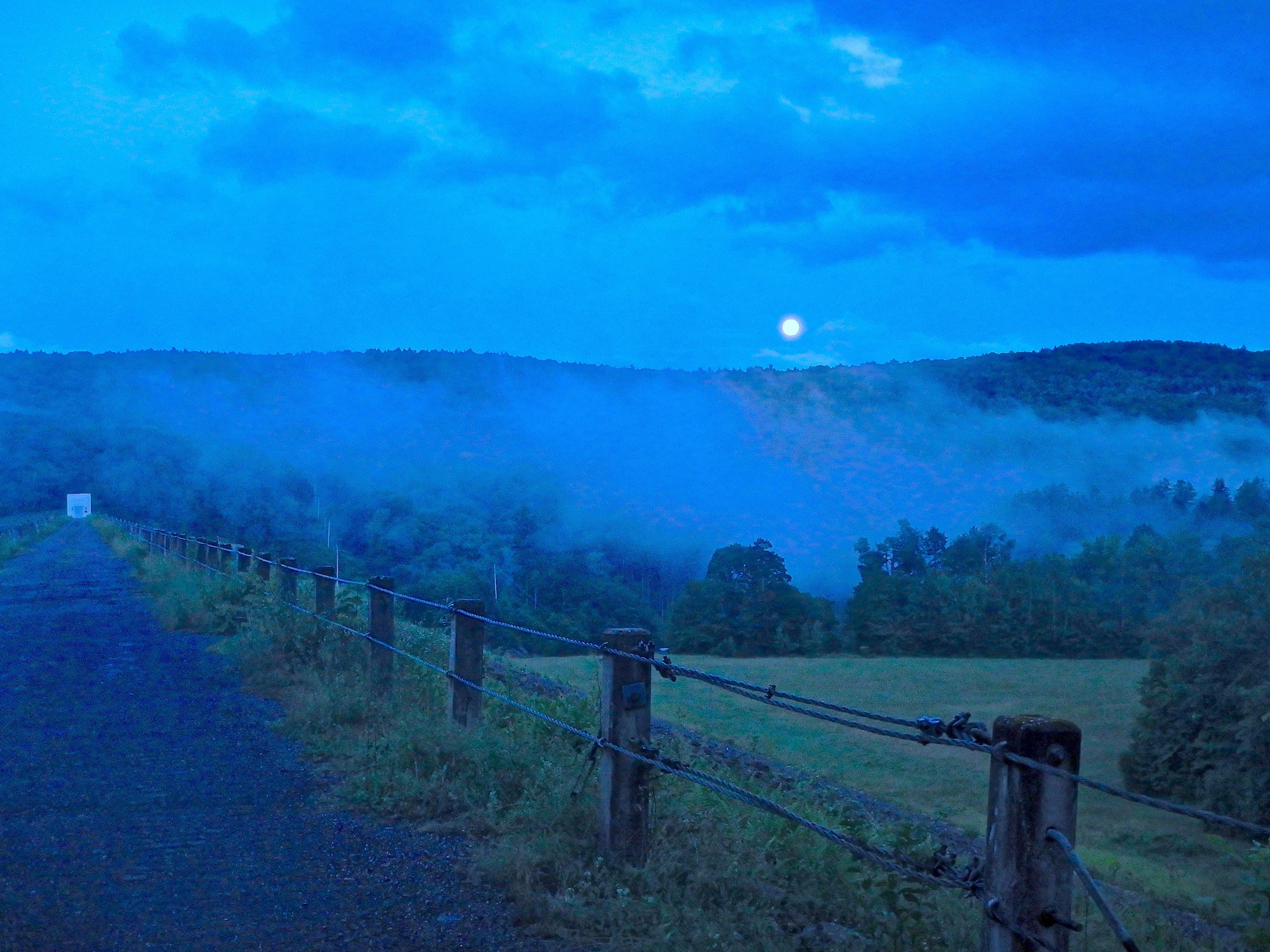 170708_moonrise_over_waterbury_dam_adjusted_1_small