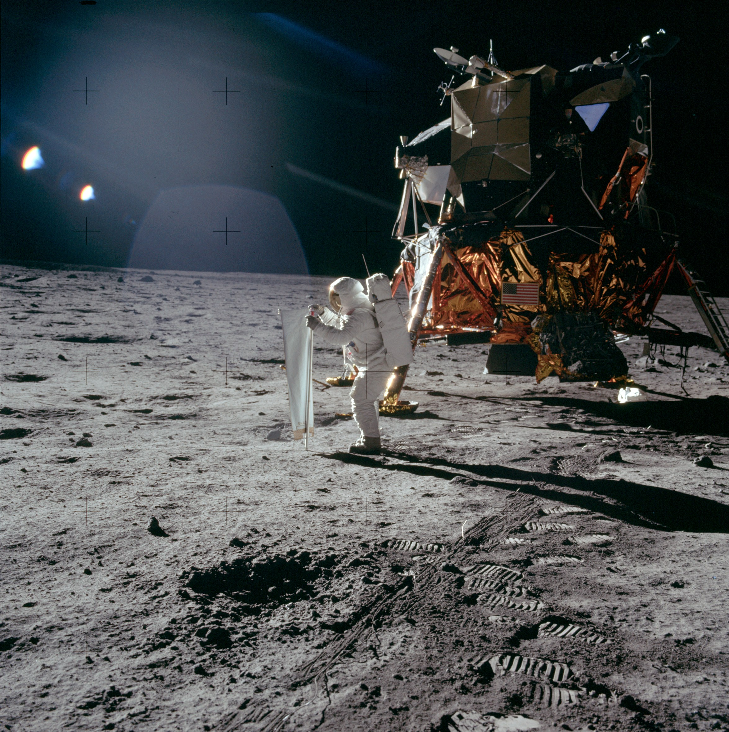 Apollo_11_photo_small