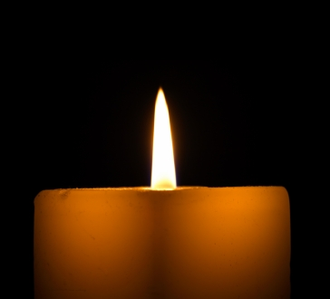 101595-364x330-memorial_candle_small