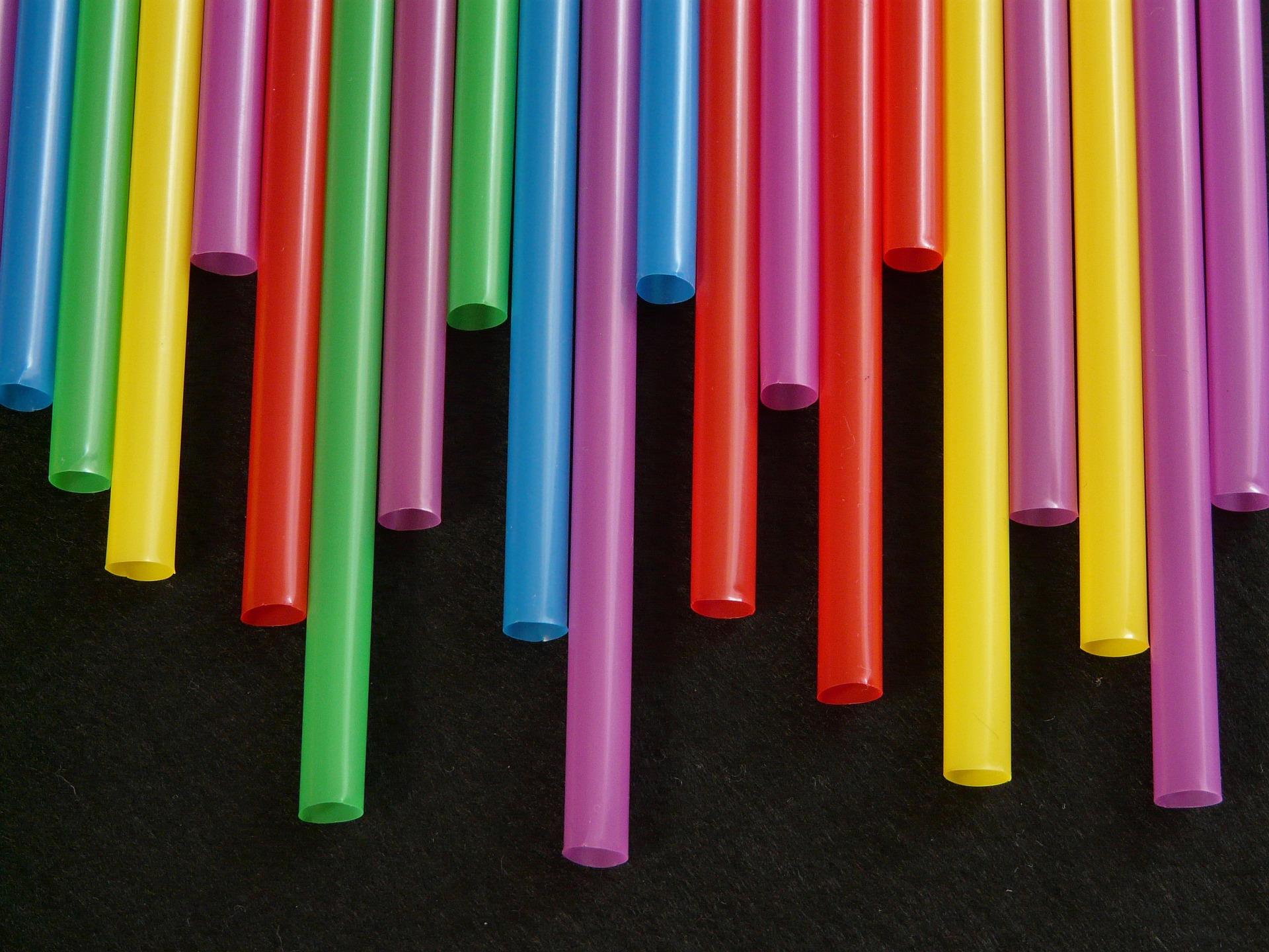 Straws-8001_1920_small