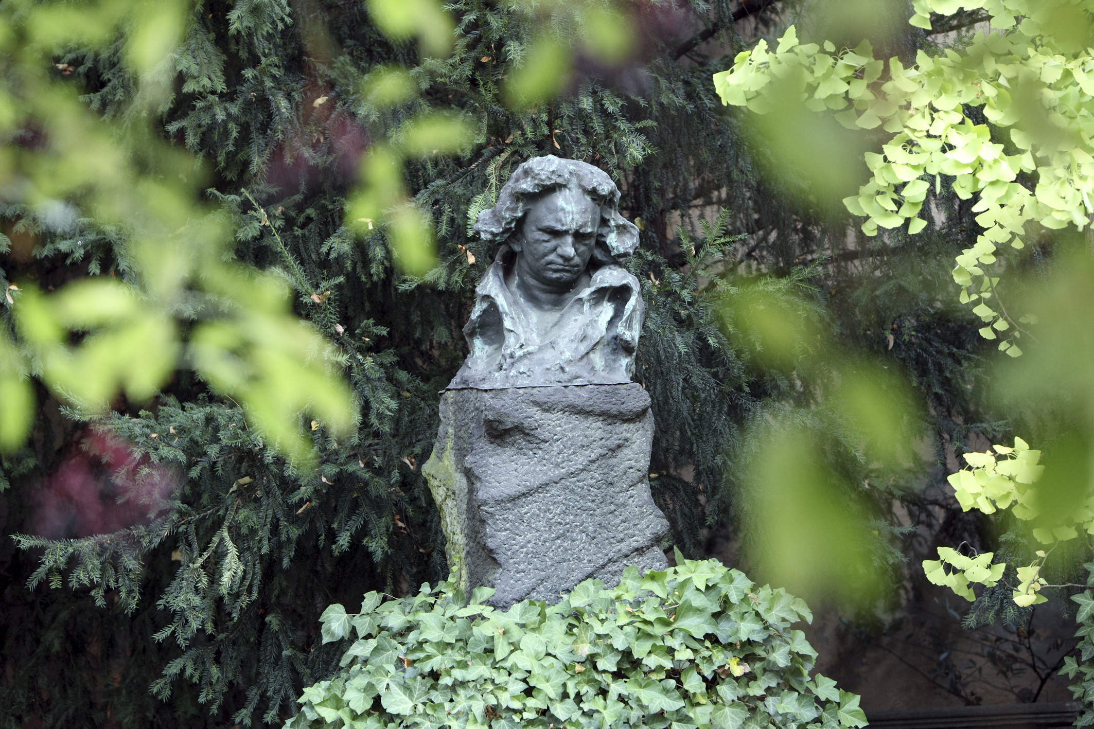 Caption: Statue at the house in Bonn where Ludwig van Beethoven was born