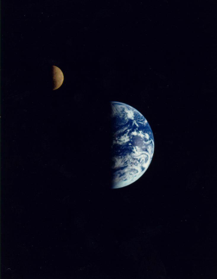 Gal_earth_moon_small