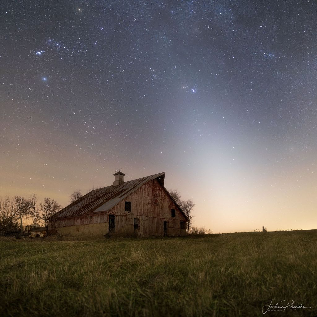 Caption: Zodiacal Light and Mars , Credit: Joshua Rhoades