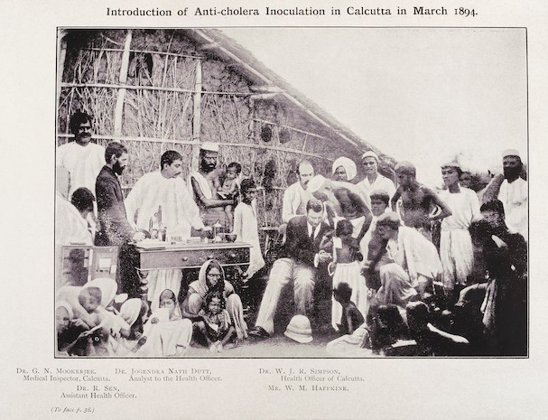 Caption: Anti-Cholera inoculation in Calcutta in 1894. Picture from theWellcome Collection. , Credit: Courtesy Chinmay Tumbe