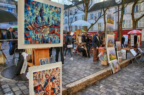 Caption: Painters Place du Tertre, Montmartre, Credit: Jose Lledo