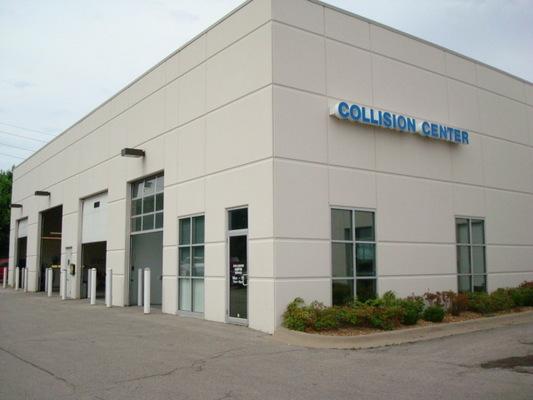 mccarthy collision center in blue springs mo service noodle. Black Bedroom Furniture Sets. Home Design Ideas