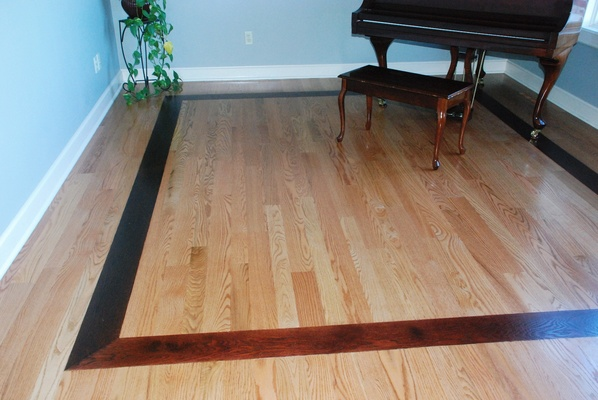 Hardwood floor borders inlays gurus floor for Hardwood floor designs borders