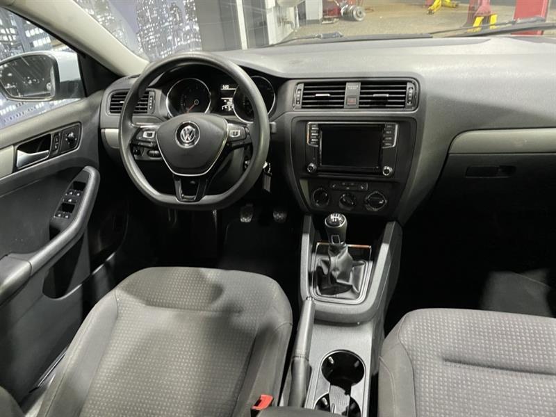 Volkswagen Jetta 11