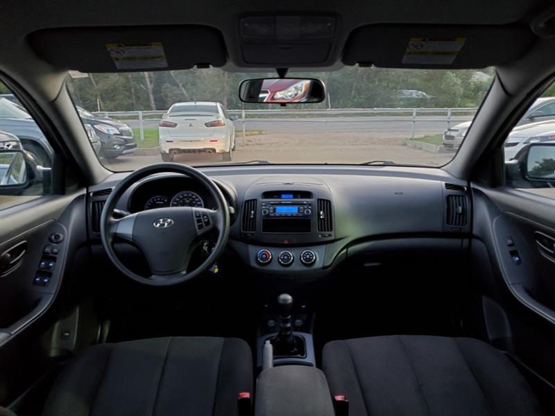 Hyundai Elantra 12