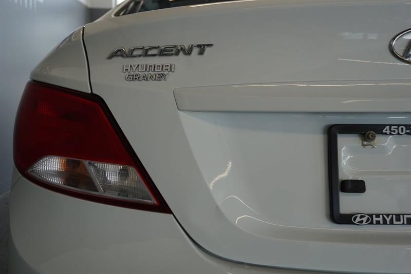 Hyundai Accent Sedan 15