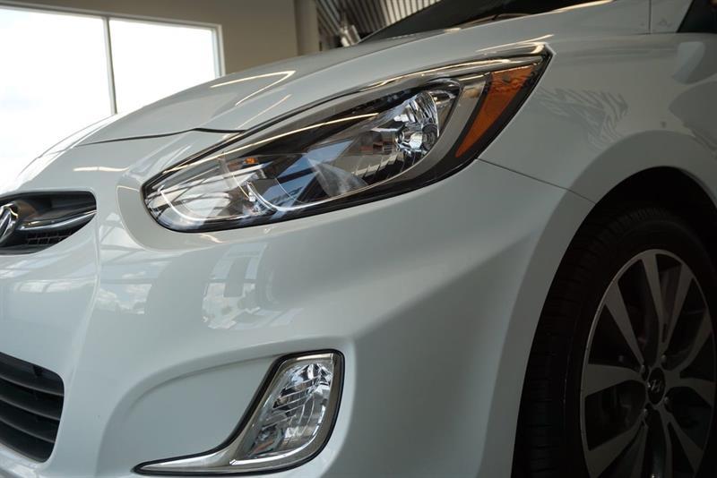 Hyundai Accent Sedan 18