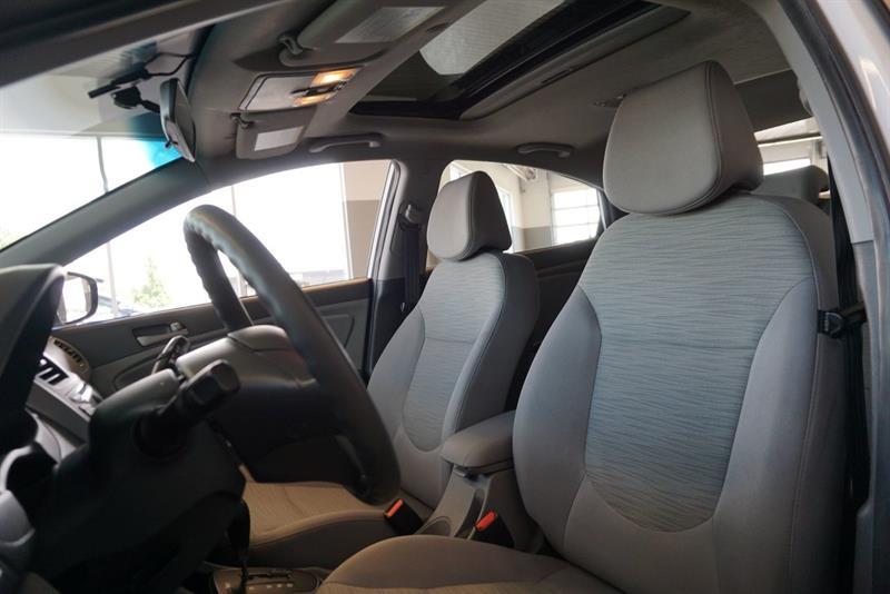 Hyundai Accent Sedan 19