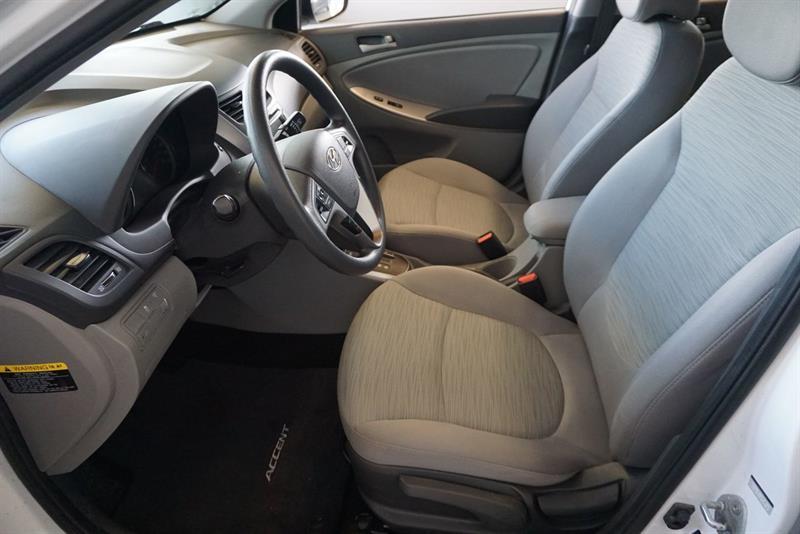 Hyundai Accent Sedan 21