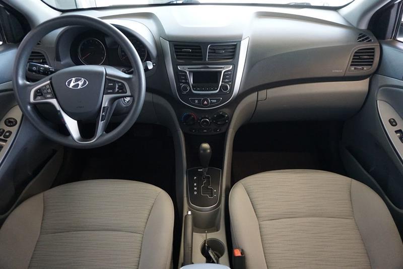 Hyundai Accent Sedan 24