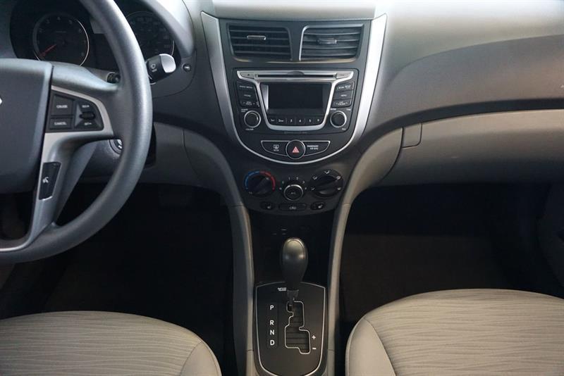 Hyundai Accent Sedan 25