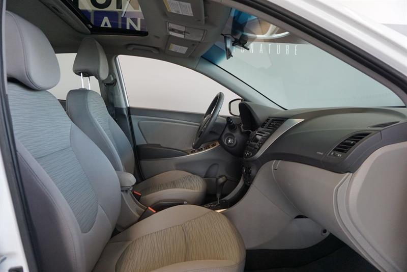 Hyundai Accent Sedan 35