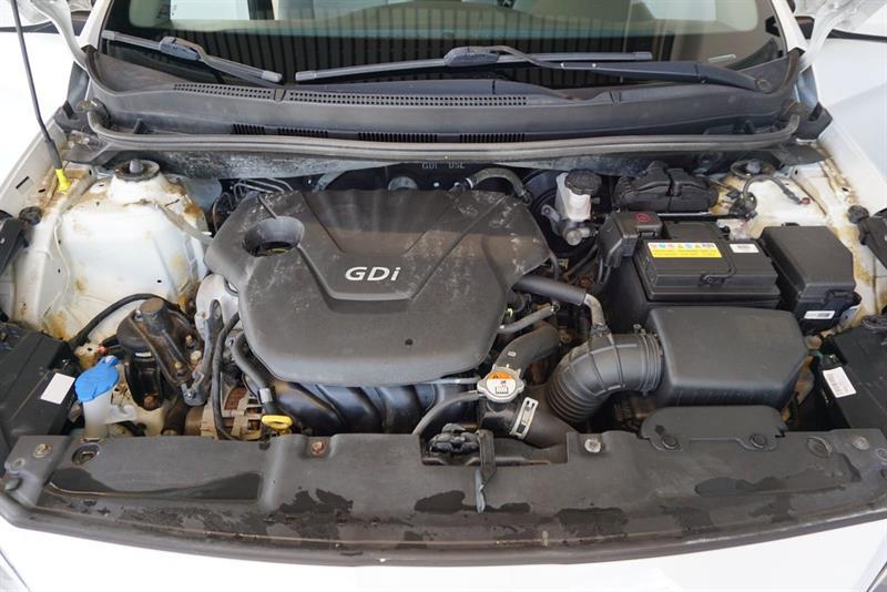 Hyundai Accent Sedan 41