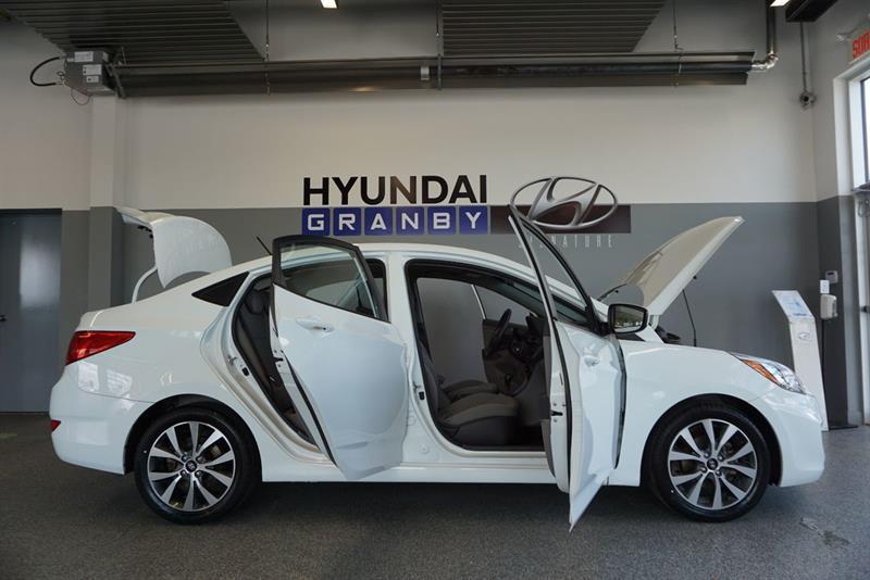 Hyundai Accent Sedan 44