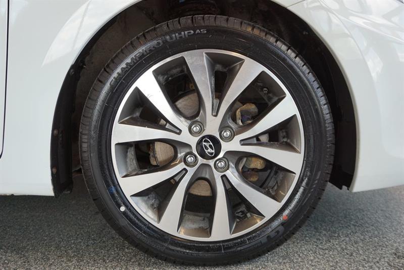 Hyundai Accent Sedan 49