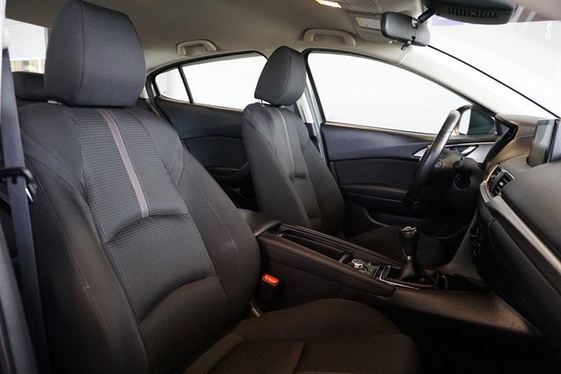 Mazda 3 38
