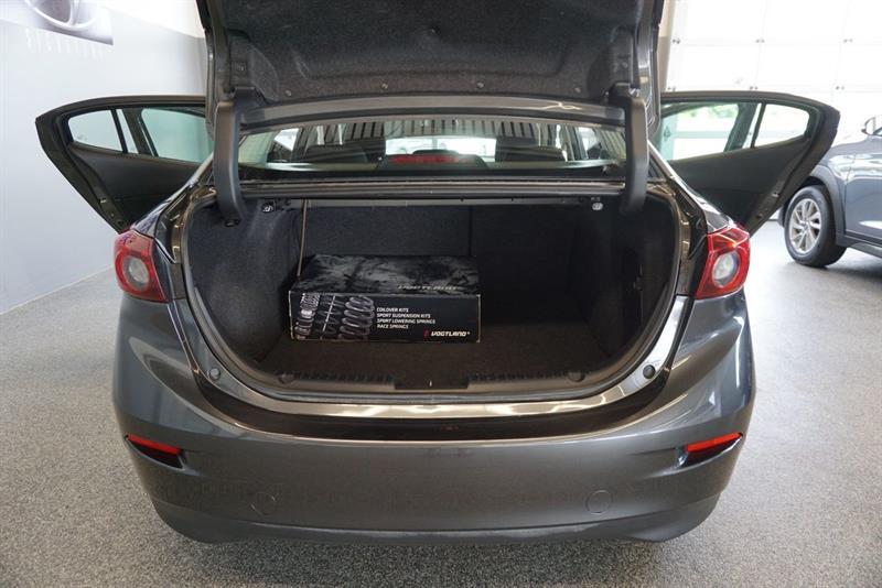 Mazda 3 47