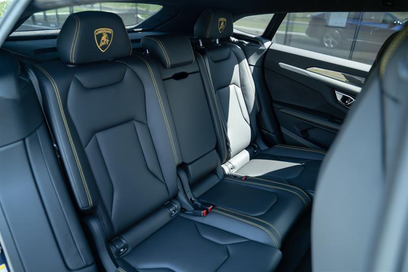 Lamborghini Urus 15