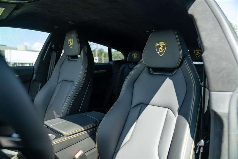 Lamborghini Urus 23