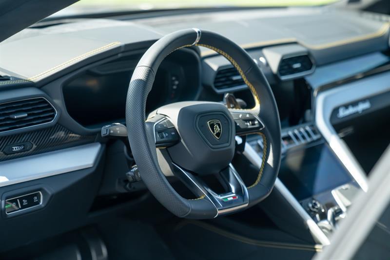 Lamborghini Urus 26