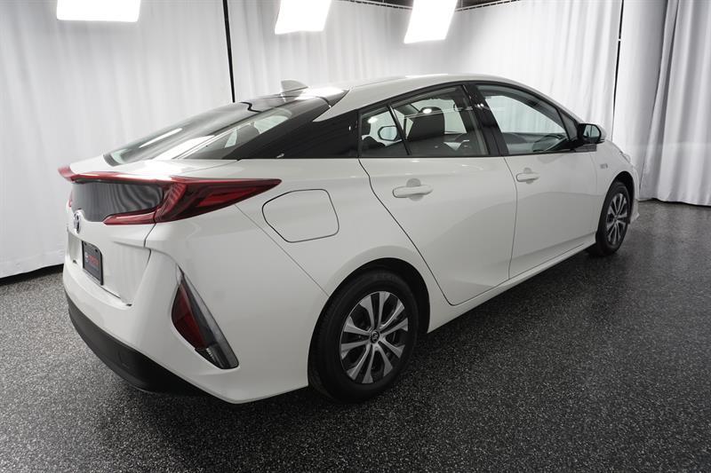 Toyota Prius Prime 6
