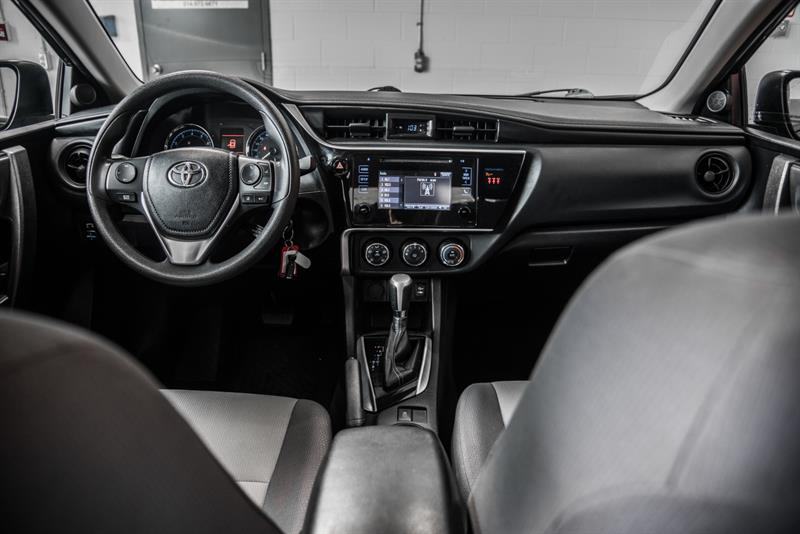 toyota Corolla 2018 - 32
