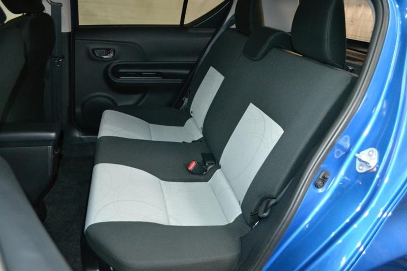 toyota Prius c 2016 - 15