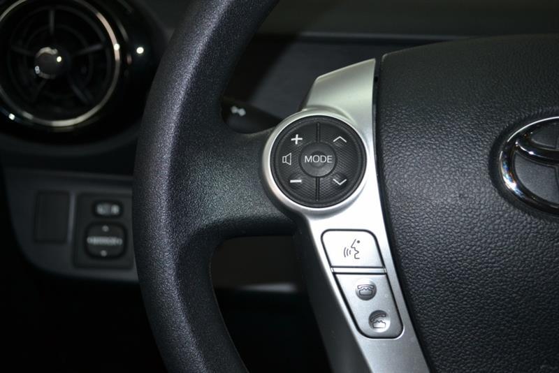 toyota Prius c 2016 - 19