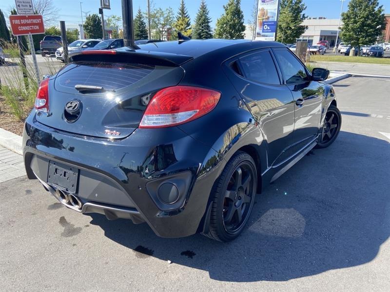 Hyundai Veloster 4