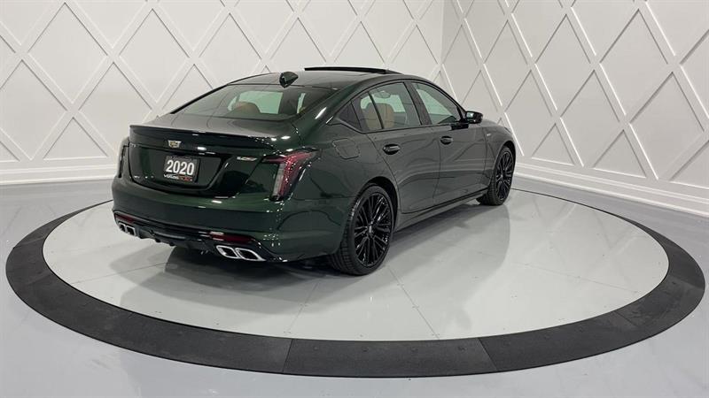 Cadillac CT5 8