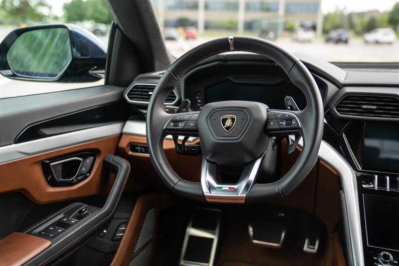 Lamborghini Urus 14