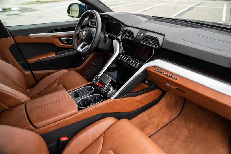 Lamborghini Urus 22